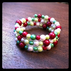 🎄❄️Christmas Pearls Memory Wire Bracelet❄️🎄